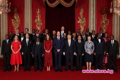 Кейт озари Бъкингамския дворец