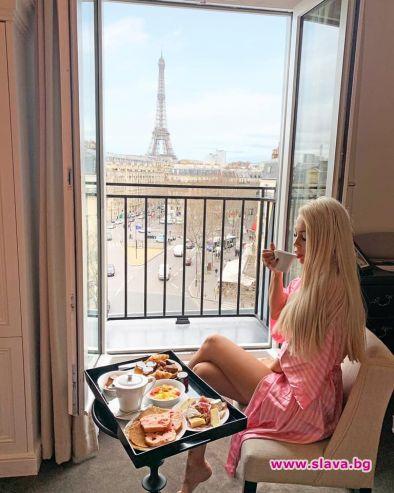 Мис Плеймейт се сгоди в Париж, крие пръстена от суеверие