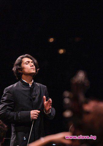 Музикален празник с маестро Камджалов в зала България