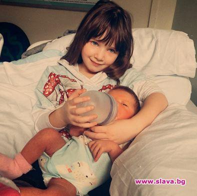 Малката на Мила Йовович с жълтеница