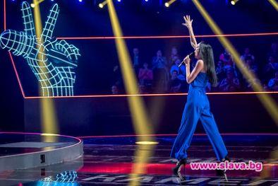 Уникално изпълнение на Азис на старта на Гласът на България