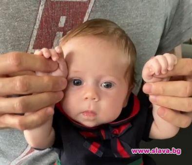 Енрике Иглесиас с очарователно бебешко видео