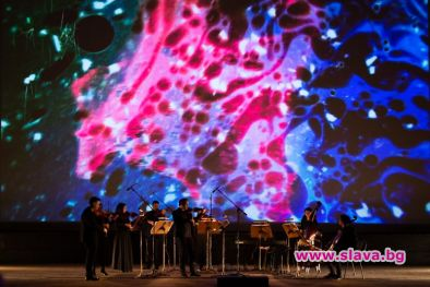 Гледаме онлайн концерт, посветен на Теодор Ушев
