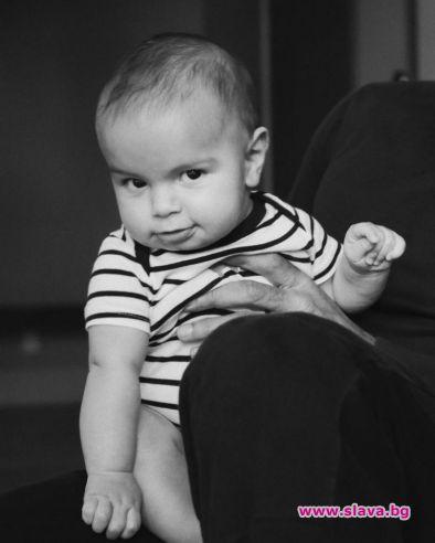 Рики Мартин показа най-малкия си син