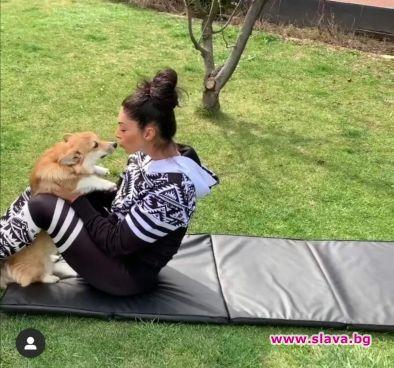 Биляна Йотовска тренира с кучето