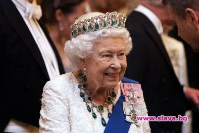 Елизабет II става на 94 г.