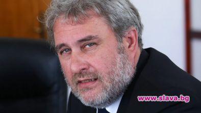 Оставка на министър Банов: Вежди