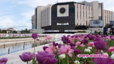 НДК освободи ключови театрални и филмови експерти