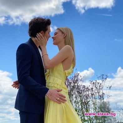Бруклин Бекъм се сгоди