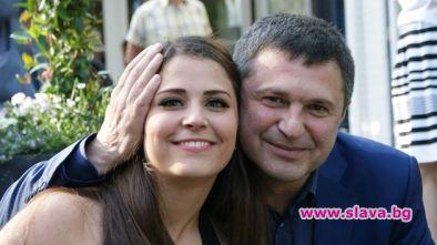 Щерката на Милен Цветков на стаж в Ливан