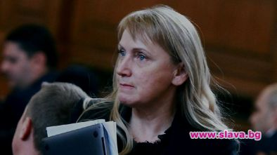 Йончева започна да ипотекира