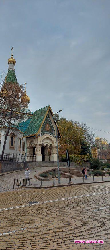 Защо София е градът на Дядо Коледа / Св. Никола, заедно...