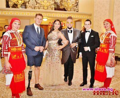 Спонтанно изпълнение на великата българска песен Моя страна , моя