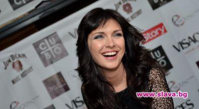 Жени Калканджиева призна, че ще празнува рожден ден по женски,