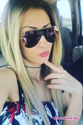Попфолк изпълнителката Джена мина в отбора на блондинките.32-годишната певица реши