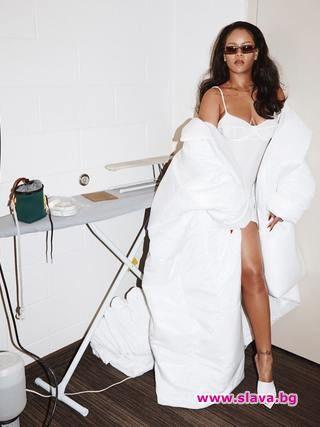 Риана се готви да лансира колекция бельо и след като