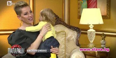 Фолк певицата Джина Стоева реши да покаже дъщеричката си за