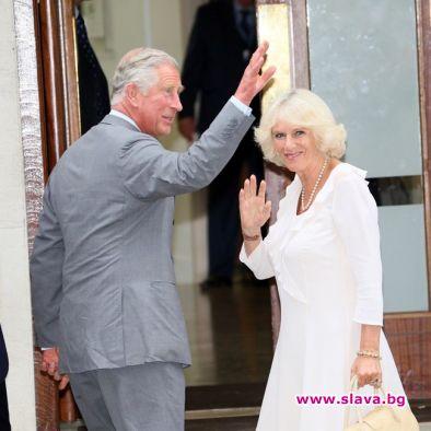 Днес отношенията между Кралица Елизабет II и Камила Паркър са