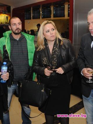 Тв водещата Лора Крумова отново е бременна. Този уикенд тя