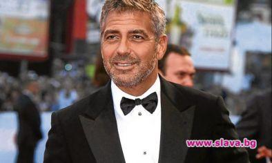 Неостаряващият секссимвол на Холивуд Джордж Клуни е актьорът, заработил най-много