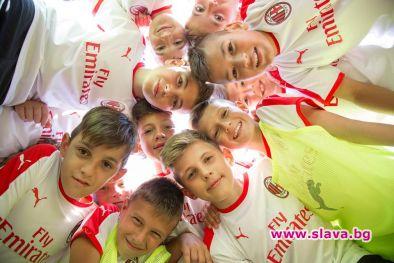 Децата от седмото издание на най-големия детски футболен проект в