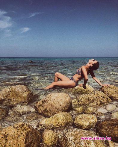 """Михаела Маринова духна за морето без гаджето. Победителката от """"Капките"""""""