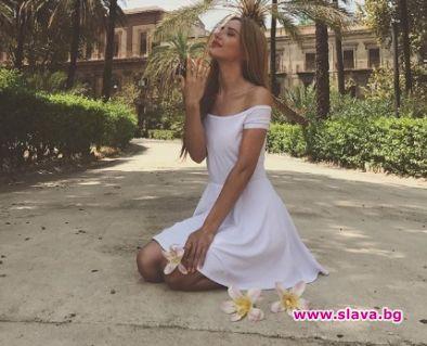 Марина Кискинова, която се подвизава освен като певица, актриса и