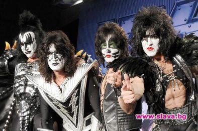 Членовете на легендарната група Kiss обявиха прощално турне, което ще