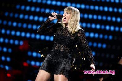Певицата Тейлър Суифт триумфира на Американските музикални награди. Поп старлетката