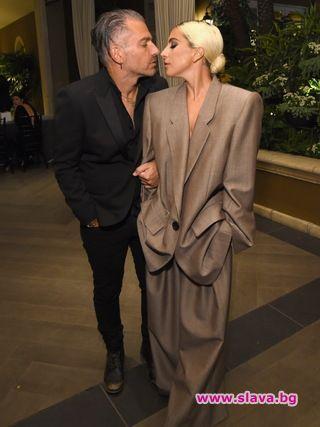 Лейди Гага потвърди, че се е сгодила за приятеля си
