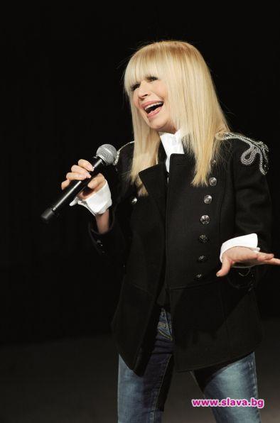 Лили Иванова ще мине без коледен концерт тази година. Изпълнителката