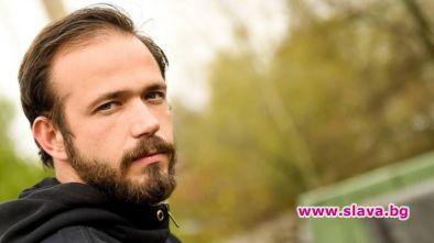 Актьорът Алек Алексиев получи шанса да се снима рамо до