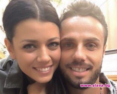Волейболната звезда Теодор Салпаров заснел на видео как половинката му