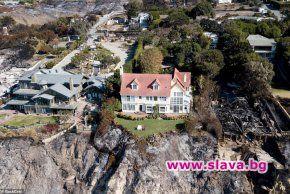 Въздушни снимки показват как имението на Антъни Хопкинс в Малибу
