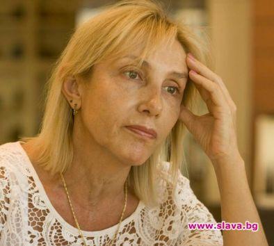 Ирен Кривошиева хукна по доктори. Фенове забелязаха актрисата на посещение