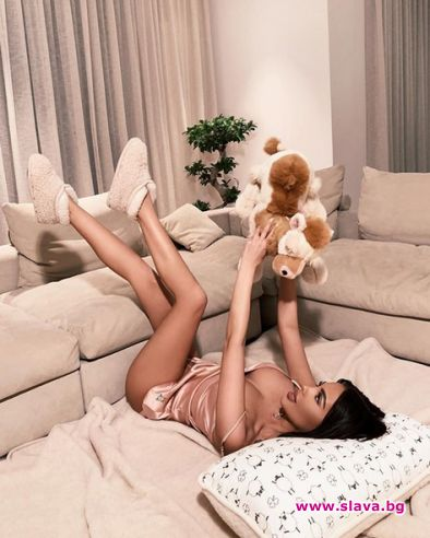 Най-известната плеймейтка в България, Николета Лозанова пак се самоизтъкна и