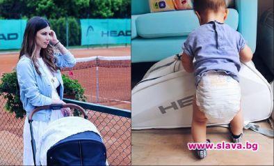 Цвети Пиронкова прави бебето тенисист още отсега. Малкият Александър е