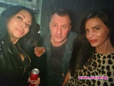 Станимир Гъмов има креватна афера със скандалната моделка Зорница Линдарева.Свидетели