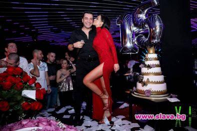 Галена отпразнува 15 години на професионалната сцена с луд купон