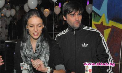 Снимка: Мартин Макариев затвори Луиза Григорова в клетка