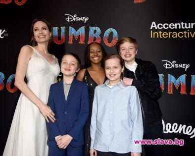Анджелина Джоли се появи на премиерата на Дъмбо в Лос