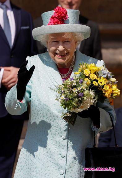 Снимка: Кралицата отбеляза рождения си ден на Великденската служба