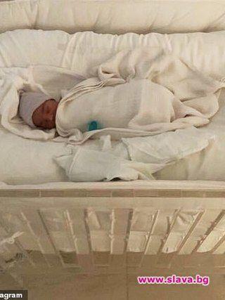 Ким Кардашян и Кание Уест кръстиха новородения си син Псалм