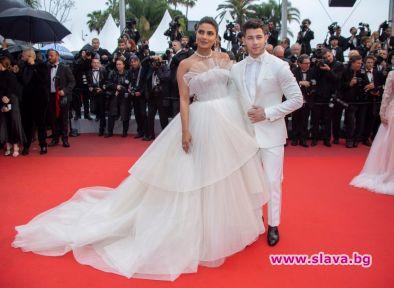 Две грандиозни сватби не стигат за Приянка Чопра.Актрисата, която се