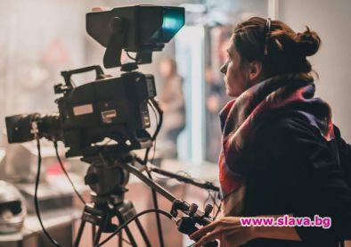 Да свързва жените, работещи зад камерата, с филмовите продуценти –