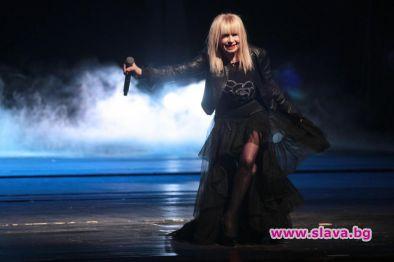 Лили Иванова ще се поклони общо три пъти пред 15