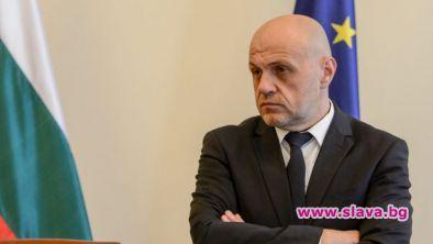 Не е вярно, че Томислав Дончев се е отказал от
