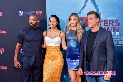 Снимка: Сталоун и Фокс до дъщерите си на дебюта им в киното