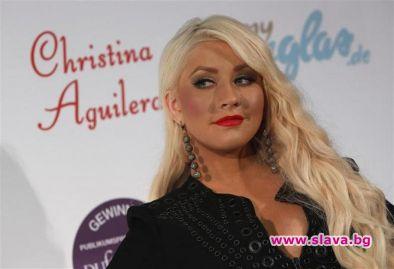 Певицата Кристина Агилера ще издаде повторно дебютния си албум, който