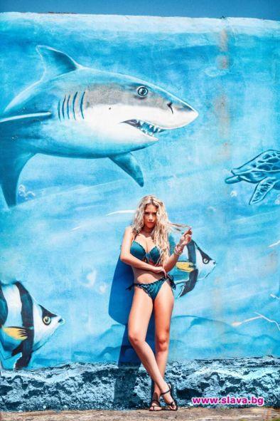 Тита сюрпризира приятно почитателите си с плажна снимка.За кадъра певицата